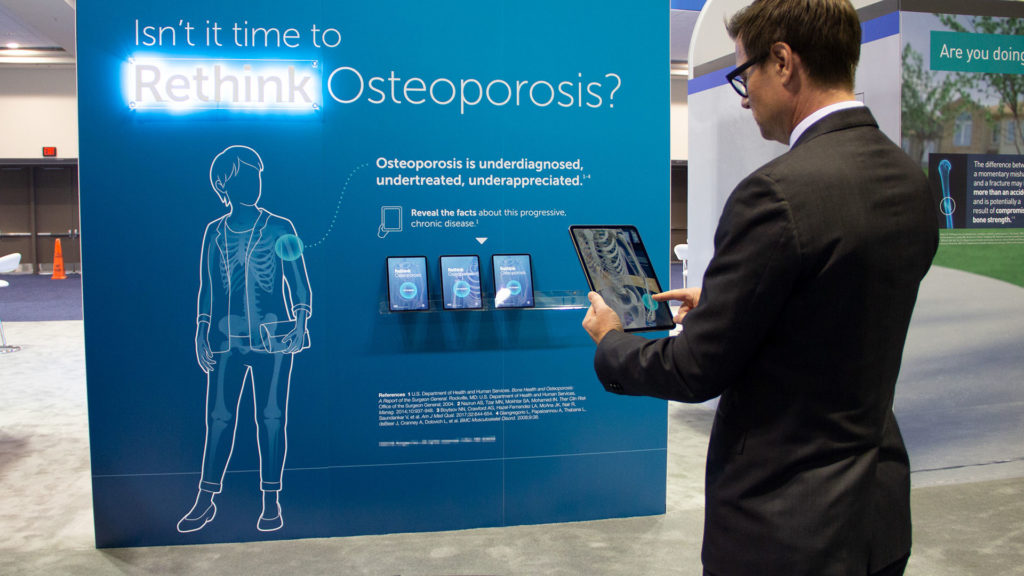 axs-studio-medical-congress-booth-interactive-AR-osteporosis-01